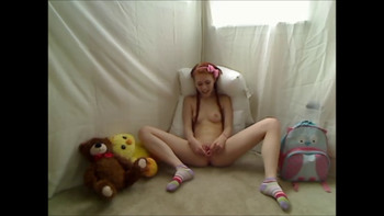 Satisfy Upside Down Anastaxia! She's cuming hard!