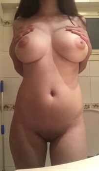 18 yrs stickam student live showing pink tits