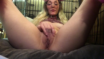Blonde Dildos Her Sweet Hole on snapchat