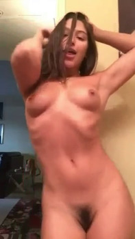 Young Lady have big boobs and like masturbate on garden - Periscope Girls