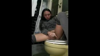Sola en casa y se masturba - Snapchat Videos