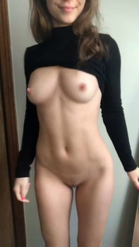 Beautiful girl with amazing body - Stickam Videos