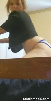 Teenage girl plays with dildo - Tiktok Porn Videos