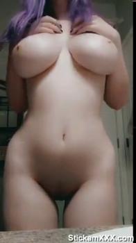 Bigo Teen fuck her pussy with huge Dildo - Bigo Live Porn