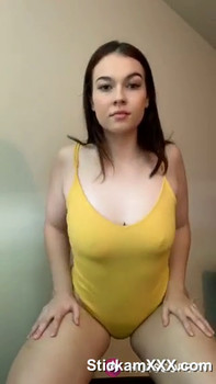 Gf loves showing off her pussy - Periscope Girls