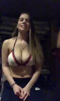 Real Periscope Pocahontas showed up with a fat ass and perfect pussy