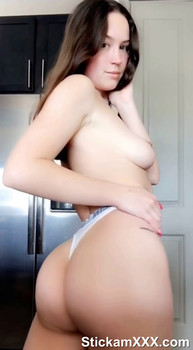 Playing with my fat vergin pussy to make it cum yummy - Onlyfans Porn