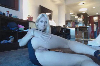 Anal beads and a huge dildo in my pussy - Snapchat Videos