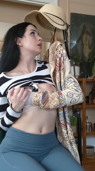 i am back your cam bitch does everything for free - Snapchat Videos