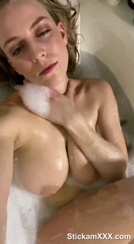 Vivian - Perfect Tits and Pussy - Skype Sex