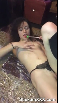 Big ass horny sexy hotwife plays with clit - Periscope Girls