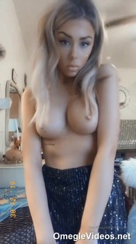 Caught Tinder stripping in my stepdads ROOM - Tinder Girls