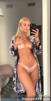 Sucking Patreon amateur with natural tight tits - Patreon Porn