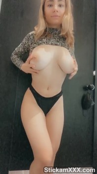 I love to feel a vibrator in my pussy instead of a penis - Bigo Live Porn