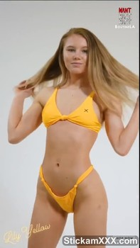 Knee High Socks Bigo Girl Squirts and Multiple Orgasms