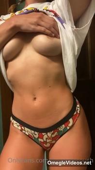 Tiktok Porn BRUNETTE AMBER TOYS HER HAIRY BUSH