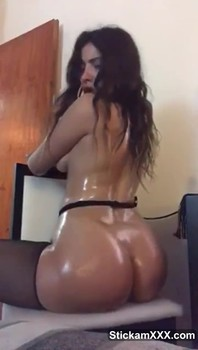 She was on a solo mission - Skype Sex