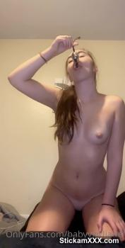 Cynn Loves That Little Vibrator - Omegle Videos