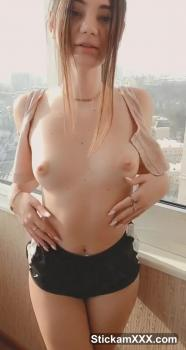 Omegle pussy cums from her favorite toy